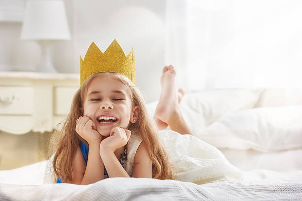 Queen in gold crown picture id600390274?b=1&k=6&m=600390274&s=612x612&w=0&h=da9wcrvmotg6buqwagil08cxkpiekl6ap1iluzm2yyo=