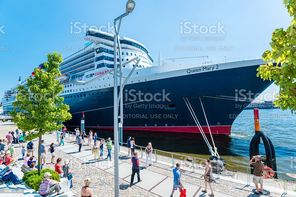 Queen Mary 2 - the luxurious cruise liner in Hamburg stock photo