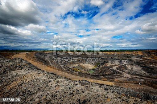 istock Queensland Coal Mine 637738126