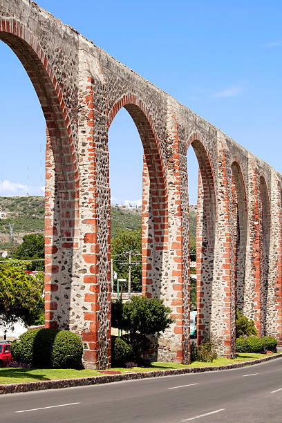 querétaro acueducto de los arcos - queretaro fotografías e imágenes de stock