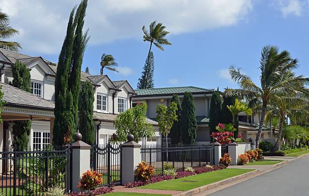 quiet neighbourhood, honolulu, hawaii - hawaii home stock photos and pictures