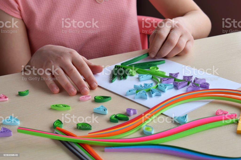 Quilling Technik Madchen Dekorationen Oder Grusskarte Papierstreifen