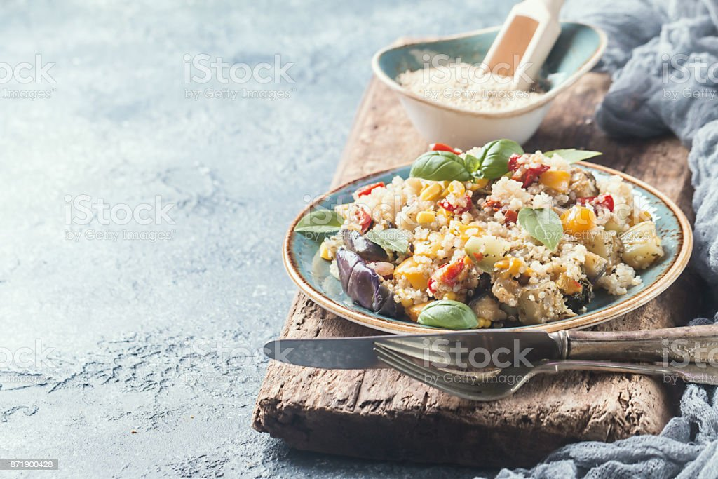 Salade de quinoa. Concept de superaliments. - Photo