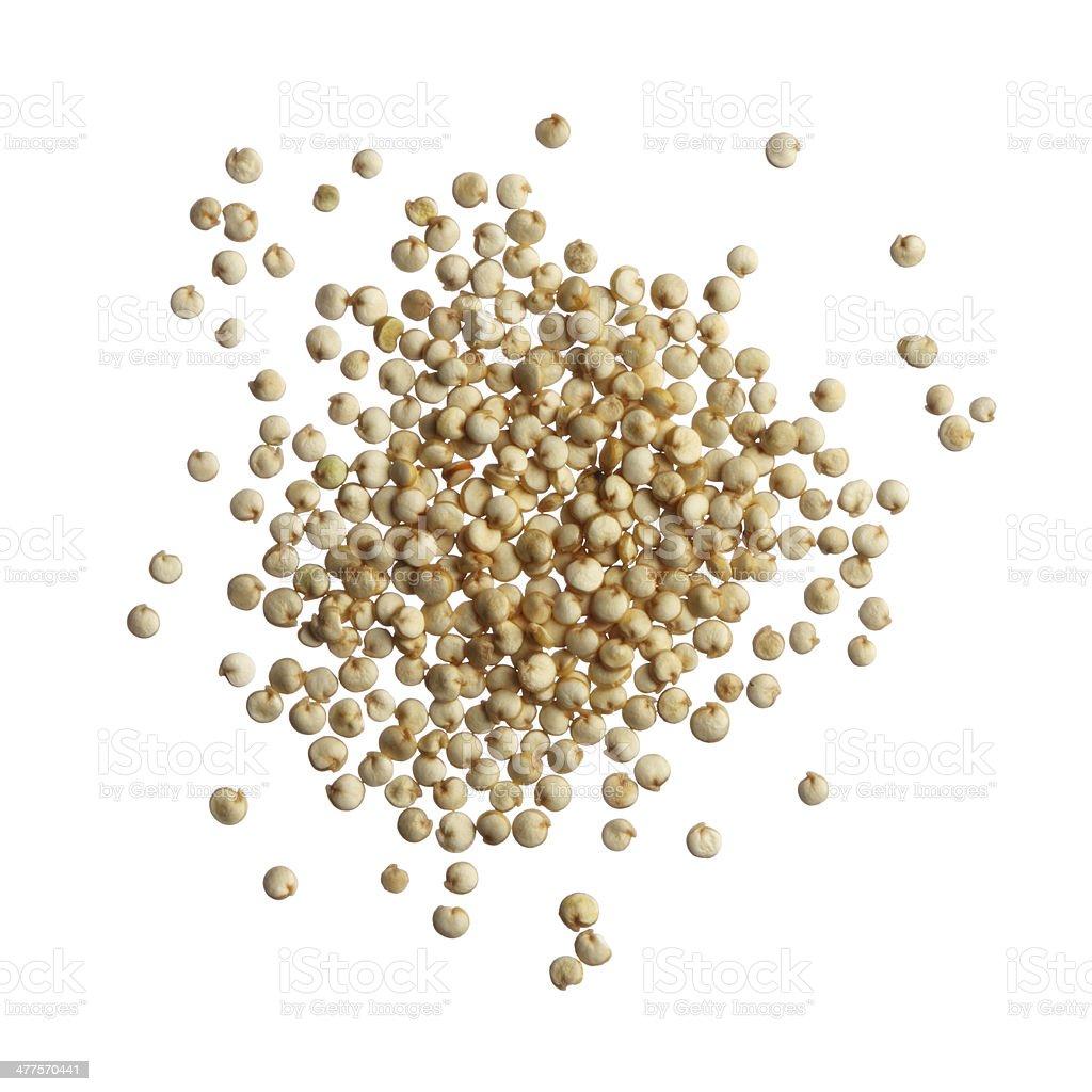 Quinua semillas aisladas sobre fondo blanco - foto de stock