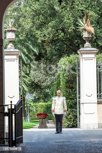 istock Quirinal Palace guard at the side gate to the garden 1337669819