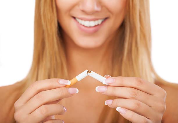 ich mit dem rauchen aufhören - marko skrbic stock-fotos und bilder