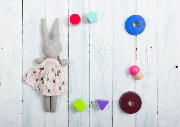Kaninchenpuppe und Rahmen – Foto