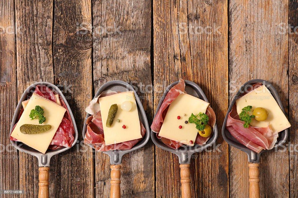 raclette Käse und Fleisch Lizenzfreies stock-foto
