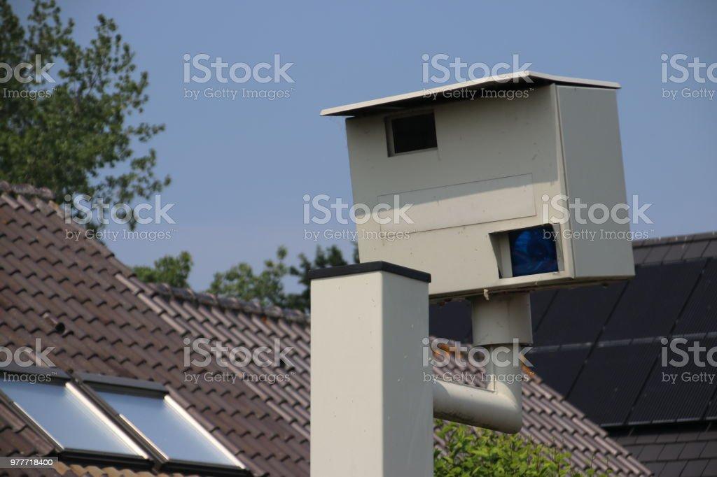 Radar-flitspaal waardoor phote wanneer de snelheid te hoog in Nederland foto