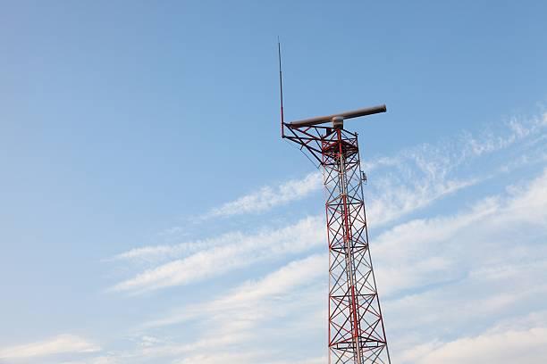 radar tower - emissione radio televisiva foto e immagini stock