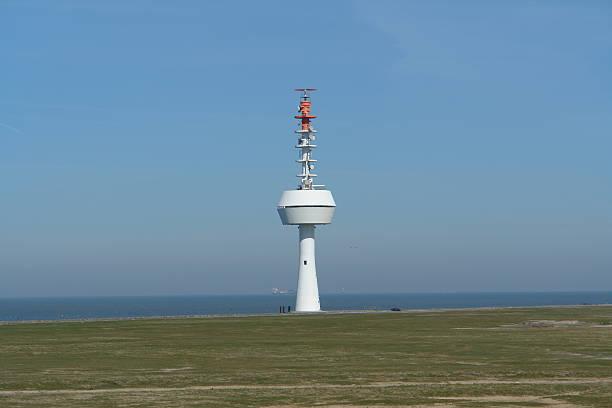 radar tower - versandrolle stock-fotos und bilder
