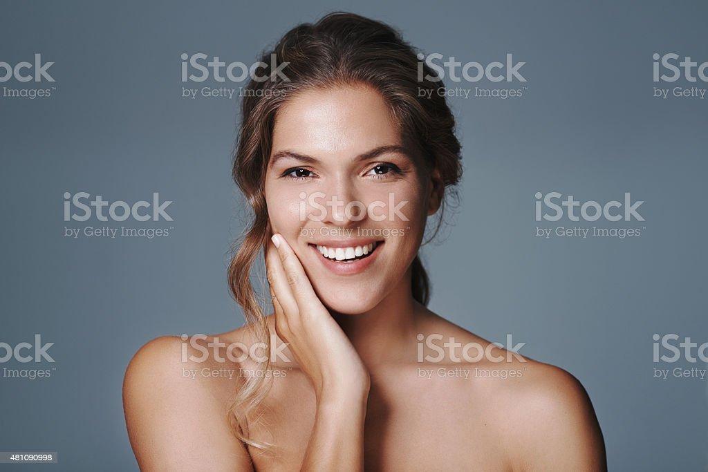 Strahlende Schönheit und ein Lächeln auf match – Foto