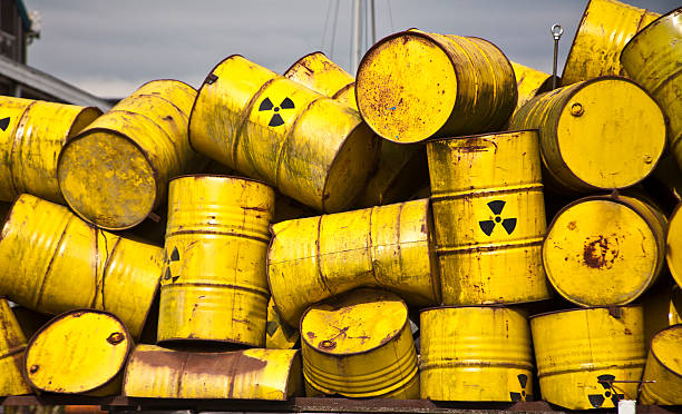 Radio Active Waste I Yellow radiot active waste barrel toxic waste stock pictures, royalty-free photos & images