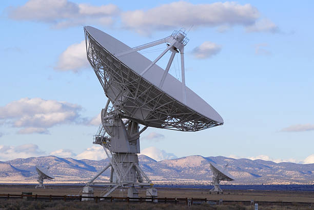 Radio Antennas in the Very Large Array