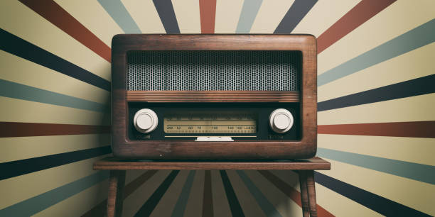 radio old fashioned on wooden table, retro wall background, 3d illustration - trasmissione radiofonica foto e immagini stock