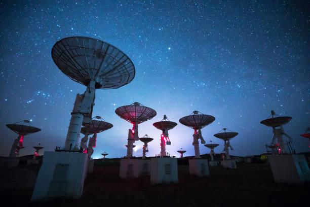 夜電波望遠鏡 - 観測所 ストックフォトと画像