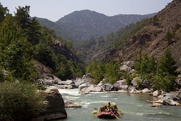 rafting on the dalaman river. - 무글라 주 뉴스 사진 이미지