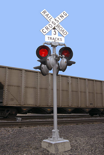 railroad crossing - mikefahl stock pictures, royalty-free photos & images