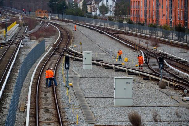 Eisenbahn Arbeiter Maintaing Eisenbahnen in München 2015 – Foto