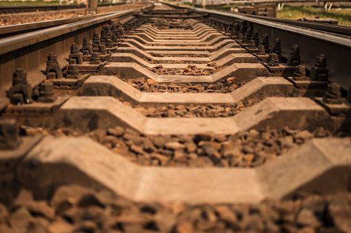 Rails En Järnväg Som Går In Avståndet-foton och fler bilder på Blå
