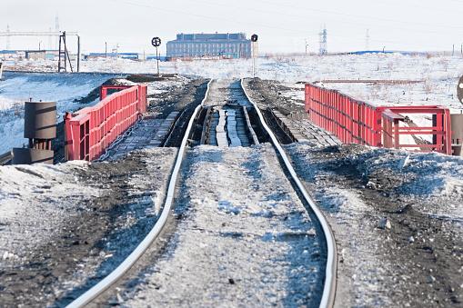 Railway Bridge And Deformation Of The Track Built On Foto de stock y más banco de imágenes de Aire libre