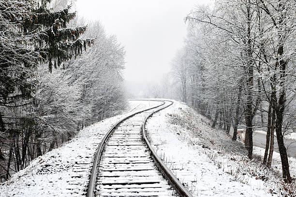 railway in snow - siberië stockfoto's en -beelden