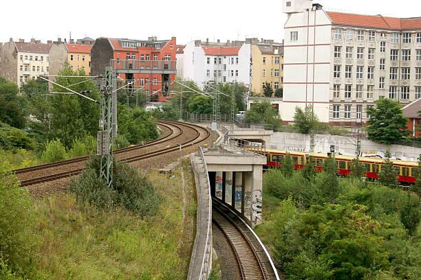 bahnhof bereiche in berlin, district hochzeit - andreas weber stock-fotos und bilder
