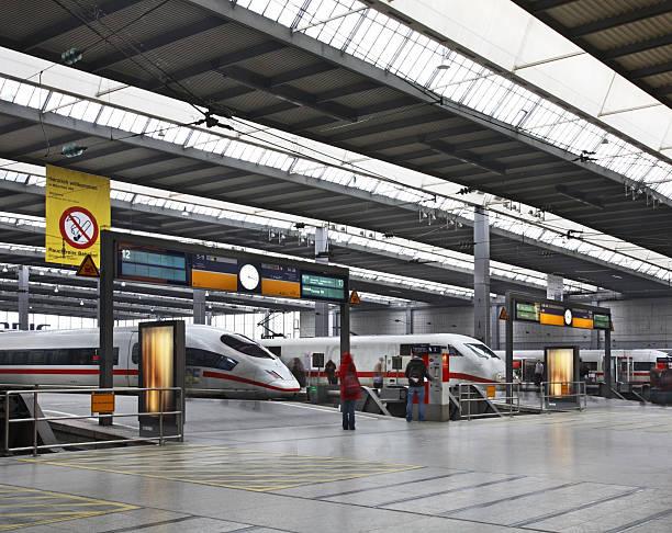 railway station in munich. germany - munich train station bildbanksfoton och bilder