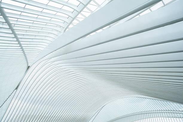 estación de tren de lieja-guillemins, bélgica - característica arquitectónica fotografías e imágenes de stock