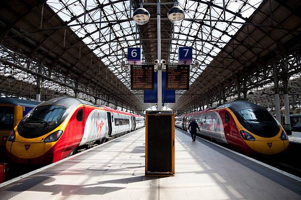 Bahnhof Pendolino mit Virgin-Züge – Foto
