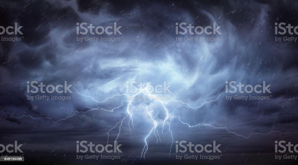 Regen und Gewitter In dramatischer Himmel – Foto