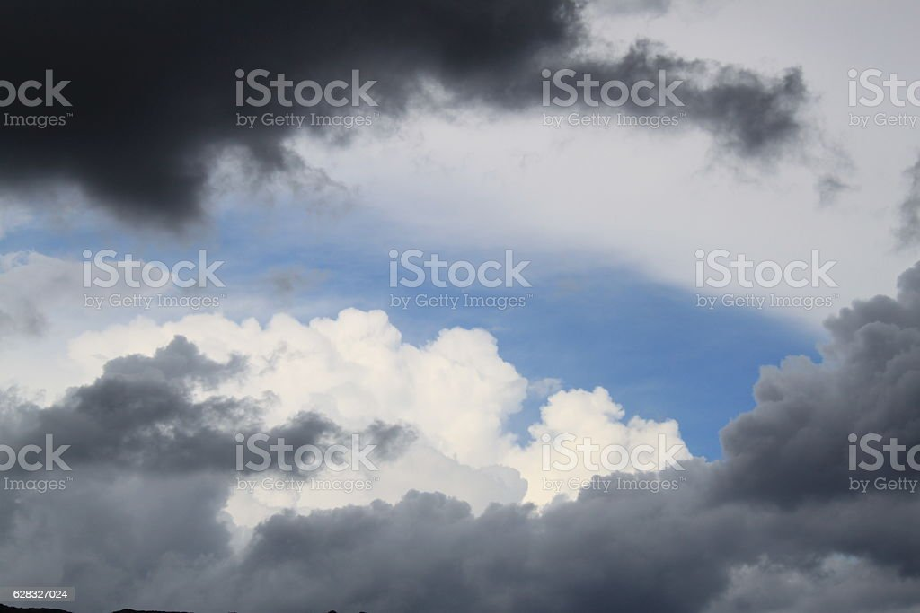 Regenwolken am Himmel stock photo