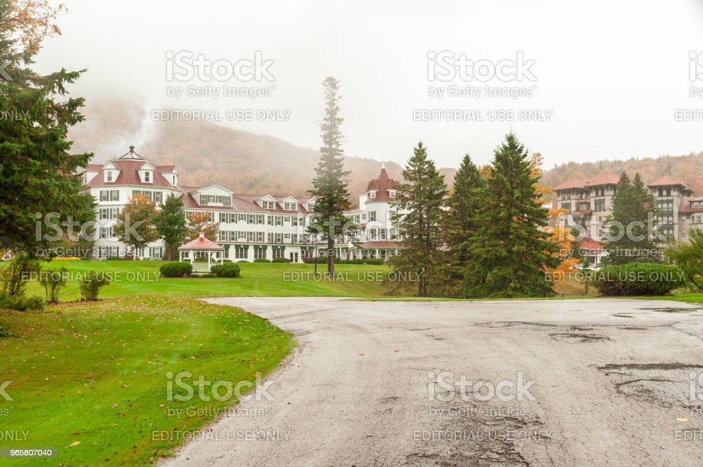 Regen vallen op de balsems resort - Royalty-free Berg Stockfoto