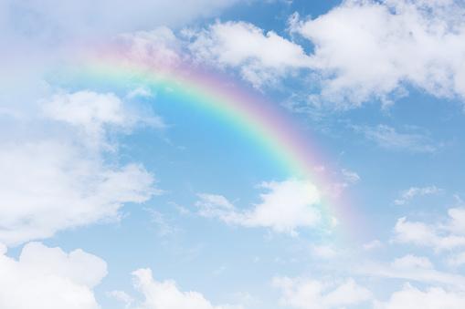 Rainbow Across In The Blue Sky After The Rain - カラフルのストックフォトや画像を多数ご用意