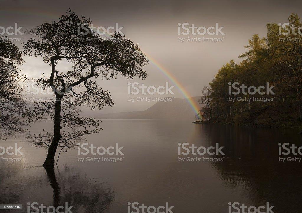 Arc-en-ciel sur la Derwent Water photo libre de droits