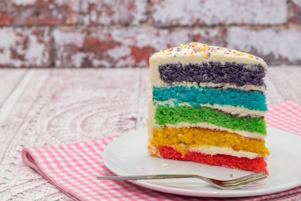 gökkuşağı kek - pasta stok fotoğraflar ve resimler