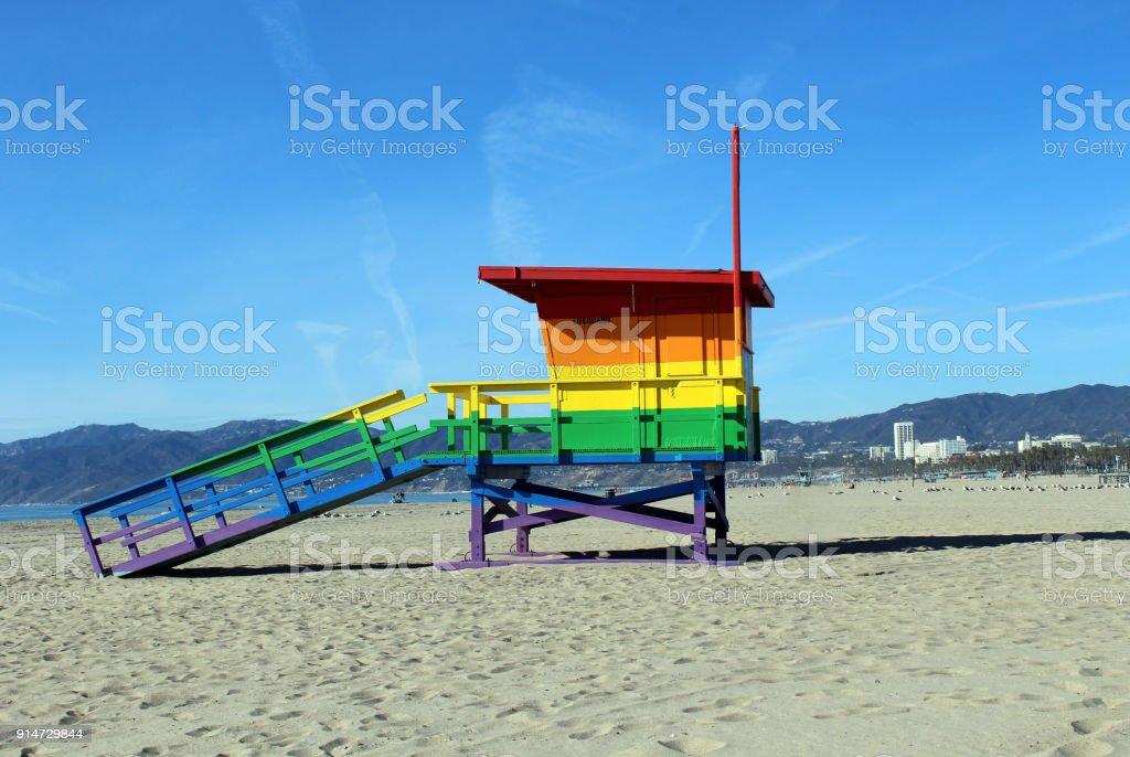 rainbow pride lifegaurd tower – zdjęcie