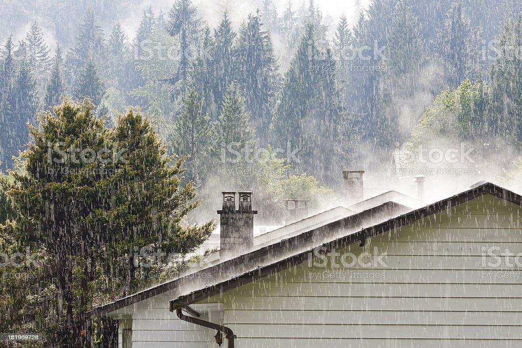 Raining en el último piso - foto de stock