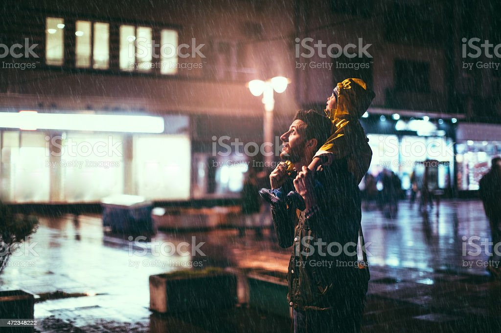 Noite chuvosa - foto de acervo