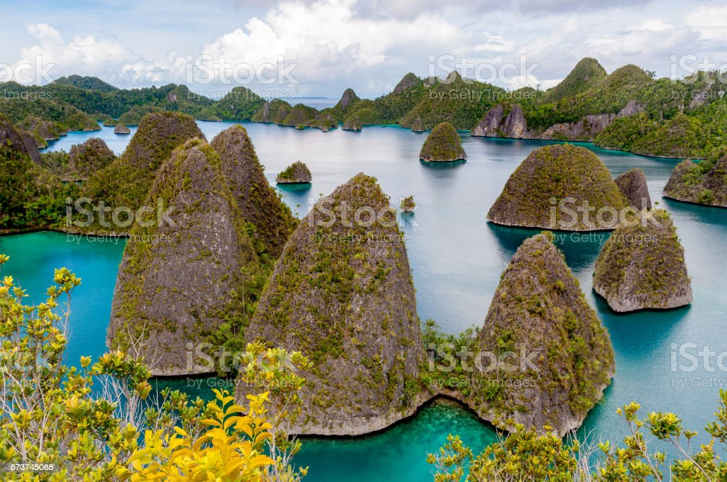 Raja Ampat yolu 1 royalty-free stock photo