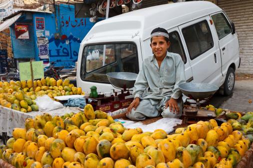 Raja バザールで Rawalpindi パキスタン - アジアおよびインド民族のストックフォトや画像を多数ご用意