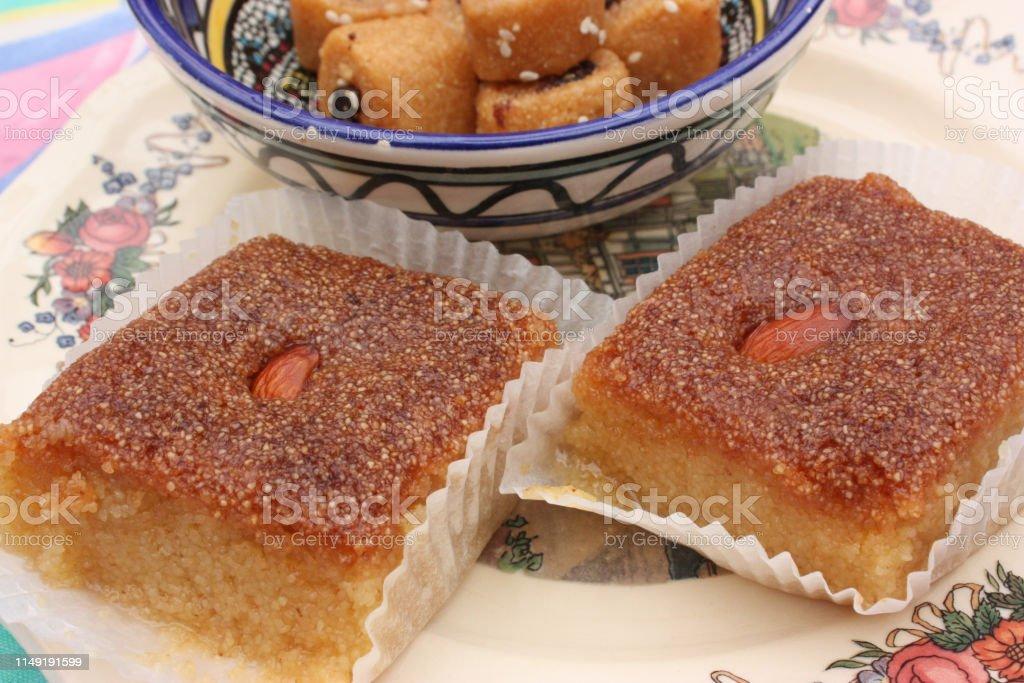 Ramadan cakes Makrout Kalb El louz - Foto stock royalty-free di Buffet