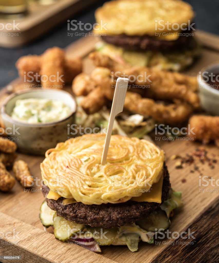 Ramen burger with sauce and snacks стоковое фото