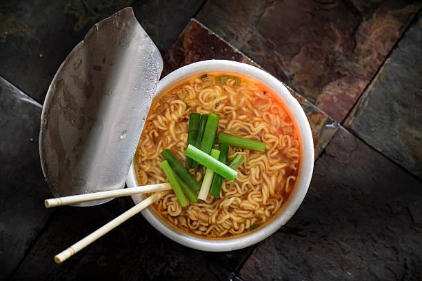 ramen - - schnelle suppen stock-fotos und bilder