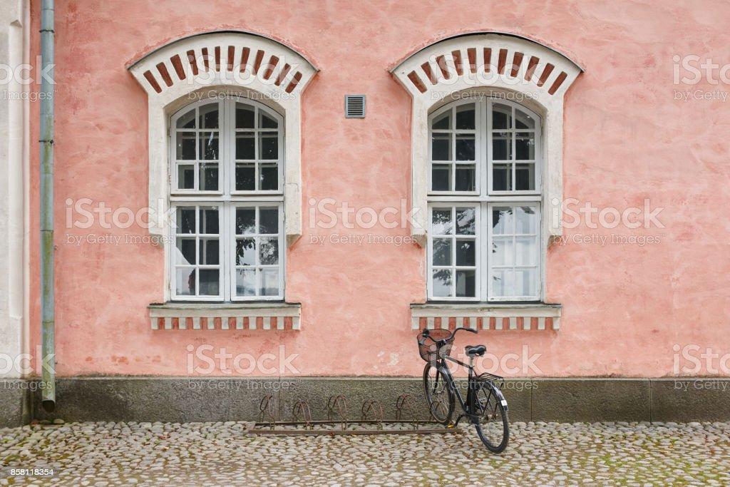 Rantakasarmi Gebäude-Fassade. Suomelinna befestigte Insel. Finnland Wahrzeichen Erbe. – Foto