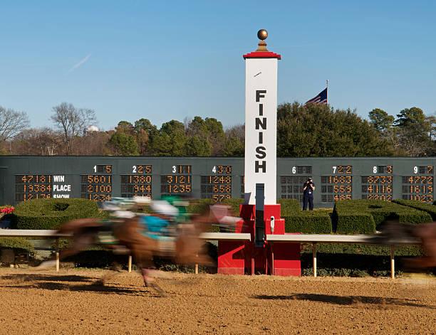 Ziellinie auf Horse Racing Track – Foto