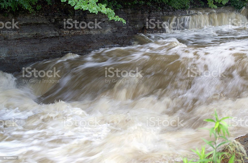Rapidement eau vive photo libre de droits