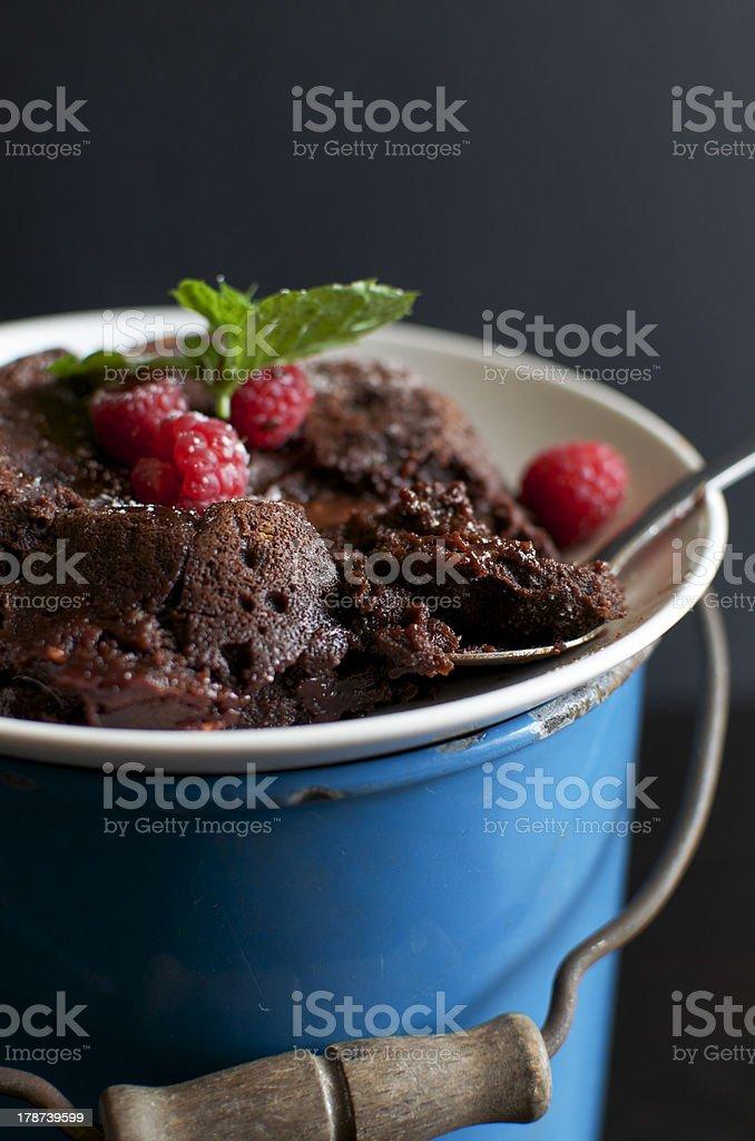 Himbeer-Lava Cake mit Löffel – Foto