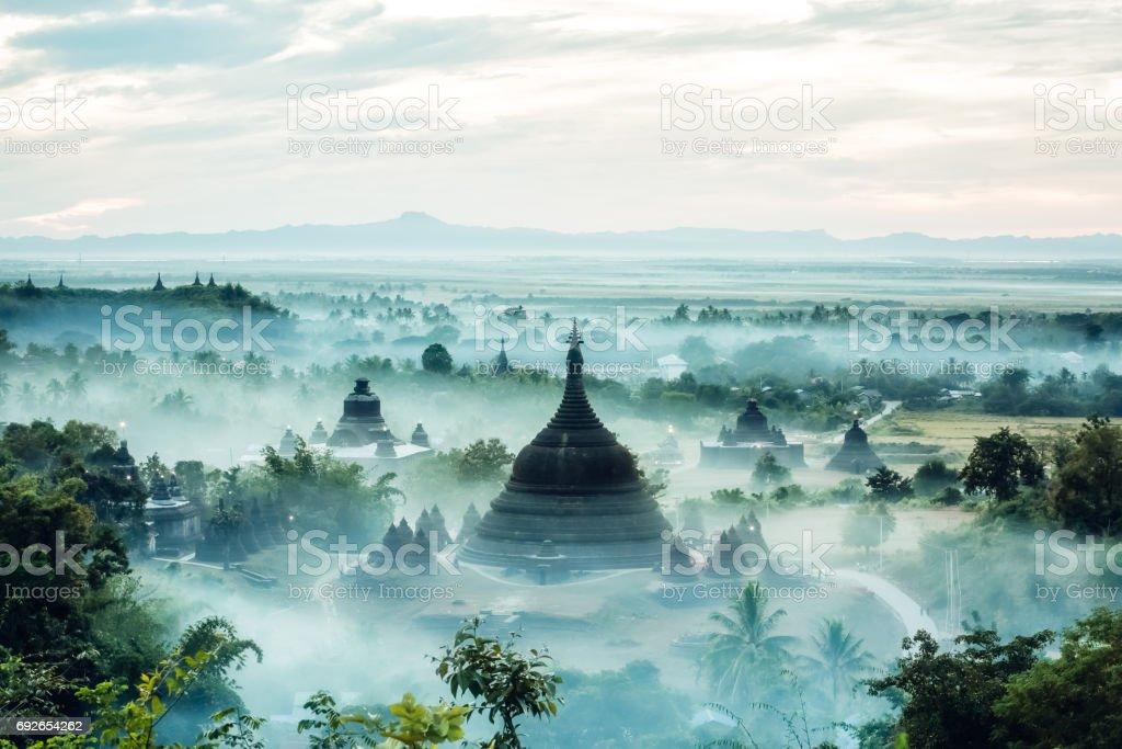 Ratanabon Paya Pagoda, Mrauk U stock photo