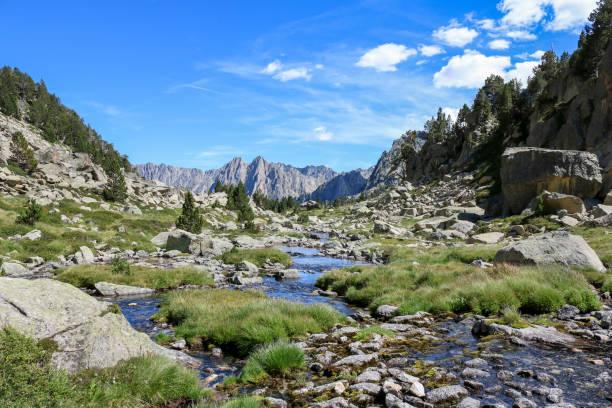 ratera river, aigs tortes i estany de sant maurici national park. - лерида стоковые фото и изображения